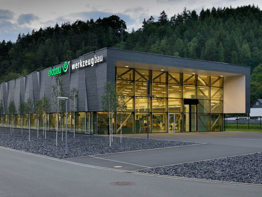 Climate Positive: Elobau Production Building with Power Storage